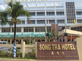 Khách sạn Đông Trà